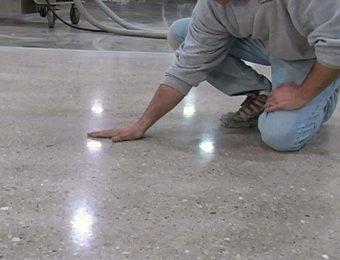 Фотография бетонных полов с топпингом
